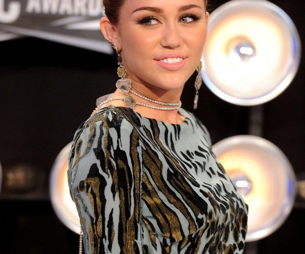 Miley Cyrus raucht Gras?