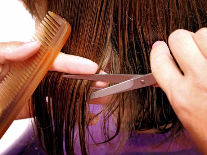 Feine haare mit messer schneiden