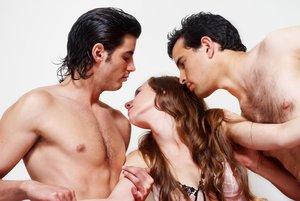 Sexuelle Fantasien mit mehren Männern sprechen dafür, dass Du bewundert werden willst.