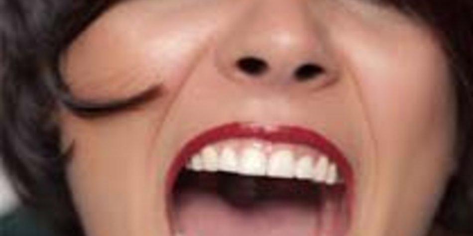 Dunkelrote Lippen: Mareen wagt den Selbstversuch