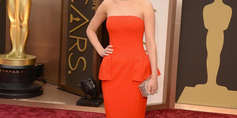 Jennifer Lawrence stolpert schon wieder!