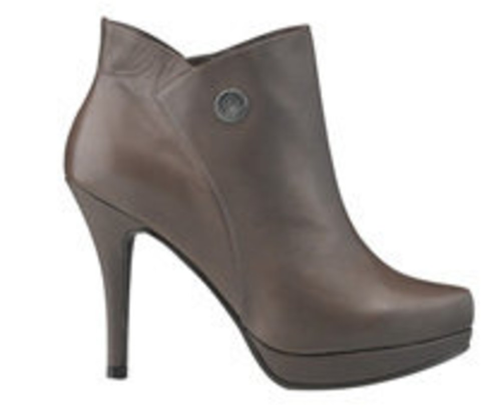 Schuhe im Herbst 2010: Overknees, Stiefeletten, Pumps und Co.