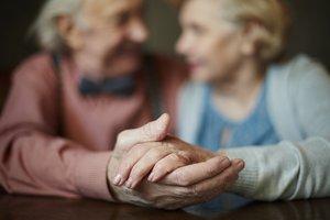 Sex im Alter basiert auf innigem Vertrauen.