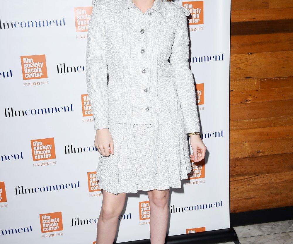 Kristen Stewart zeigt sich auch gern mal von ihrer eleganten Seite und trägt Mules (GettyImages/Nicholas Hunt)