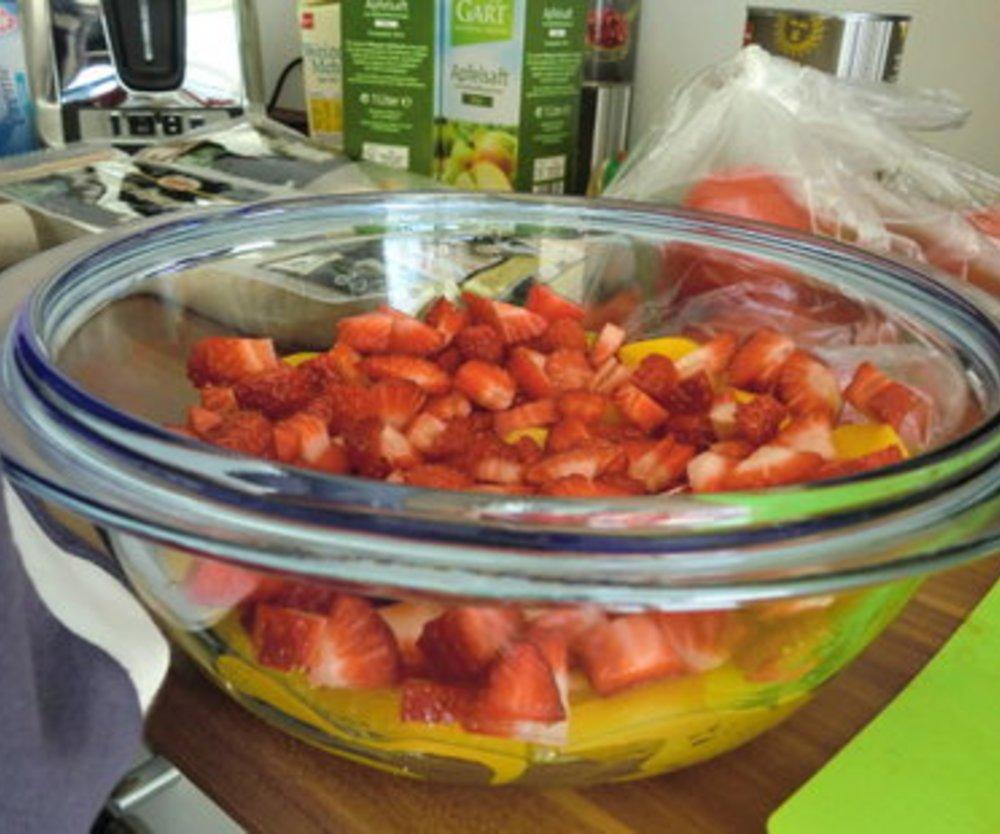 Vanillecreme mit Früchten