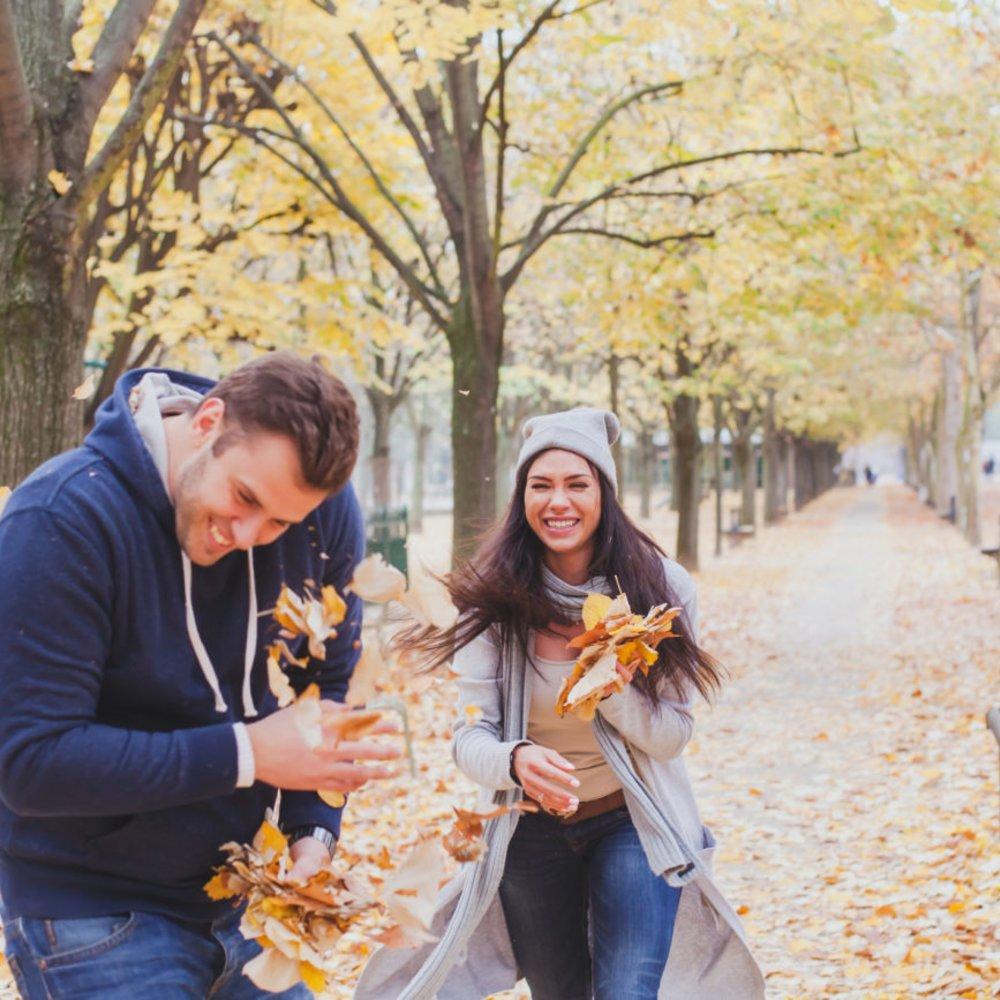 Paar Herbst Spaß