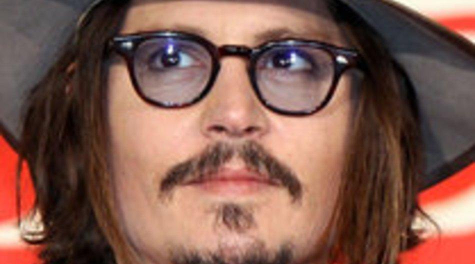 Johnny Depp stellt sich Straßenräuber in den Weg