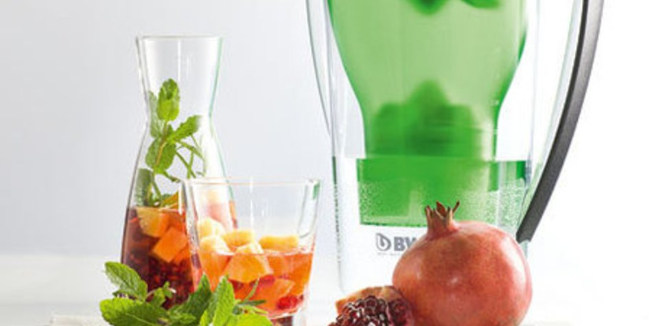 Granatapfel-Rosmarin-Wasser