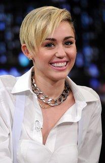 Miley Cyrus: Sidecut mit Strähnchen