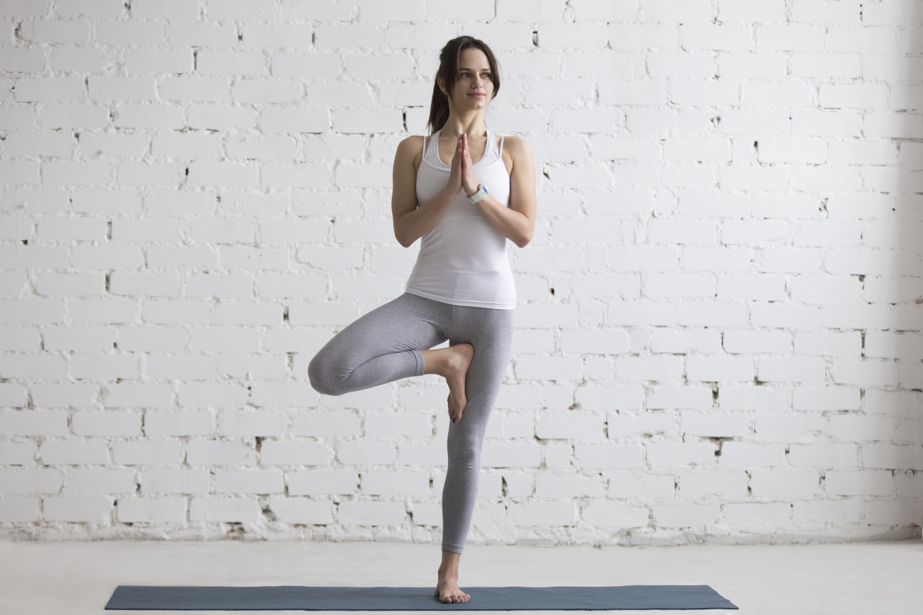 5 einfache yoga bungen f r anf nger. Black Bedroom Furniture Sets. Home Design Ideas