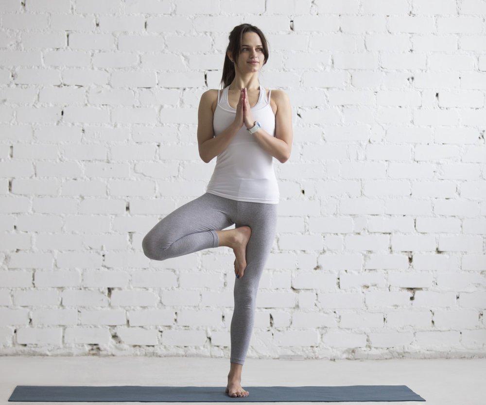 Berühmt Yoga-Übungen zum Abnehmen: 5 einfache Positionen @PR_77