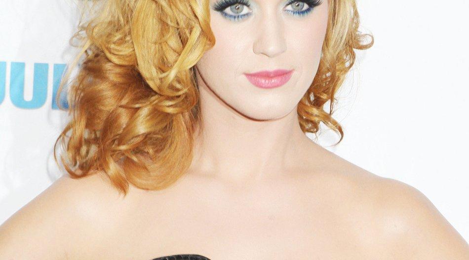 Katy Perry mit pinkfarbenen Haaren