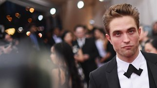 """NEW YORK, NY - MAY 04: Robert Pattinson attends the """"China: Through The Looking Glass"""" Costume Institute Benefit Gala at the Metropolitan Museum of Art on May 4, 2015 in New York City. (Photo by Mike Coppola/Getty Images)"""