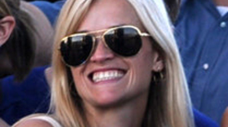 Reese Witherspoon verschwindet in den Badeurlaub