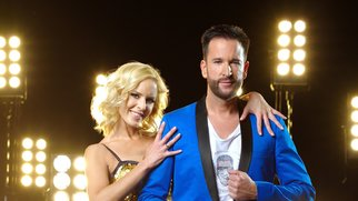 Schlagersänger Michael Wendler (43) tanzt mit Profitänzerin Isabel Edvardsson (33) Verwendung der Bilder für Online-Medien ausschließlich mit folgender Verlinkung:'Alle Infos zu 'Let's Dance' im Special bei RTL.de: http://www.rtl.de/cms/sendungen/lets-dance.html