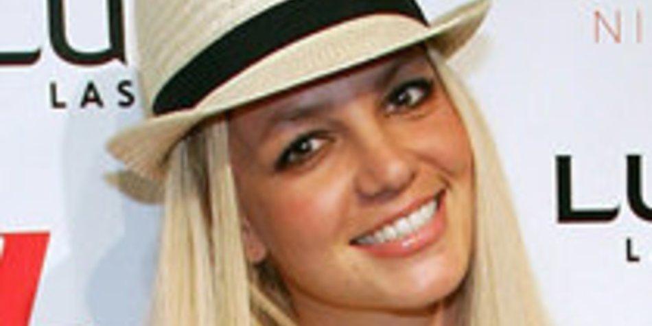 Britney Spears: Badespaß im Meer