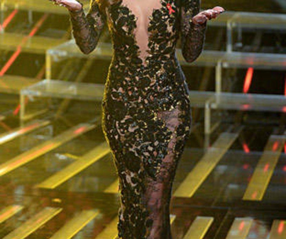 """Bei der amerikanischen Ausgabe der Casting-Show """"The X Factor"""" sorgte Nicole Scherzinger für jede Menge Glamour und subtile Erotik."""