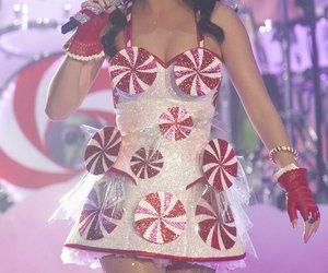 Katy Perry steht wieder auf der Bühne