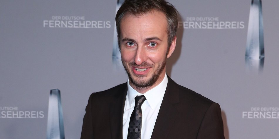 DUESSELDORF, GERMANY - JANUARY 13: Jan Boehmermann attends the German Television Award (Der Deutsche Filmpreis 2016) at Rheinterrasse on January 13, 2016 in Duesseldorf, Germany. (Photo by Mathis Wienand/Getty Images)