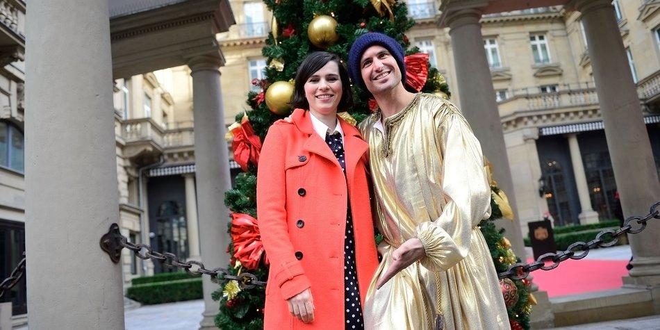Nora Tschirner stimmt sich auf Weihnachten ein