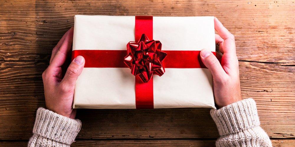 Suchst du noch nach einem tollen Weihnachtsgeschenk für deinen Freund? Sein Sternzeichen verrät dir, wonach du Ausschau halten solltest!