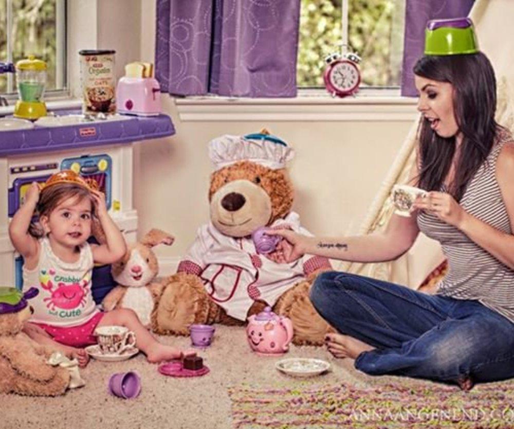 Mutter erstellt lustige Fotostrecke zum Kleinkind-Chaos