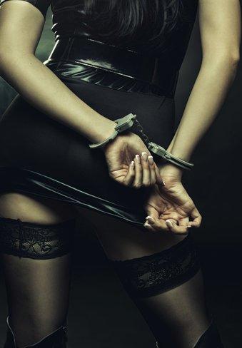 Bondage: Handschellen sind nur eins von vielen Hilfsmitteln