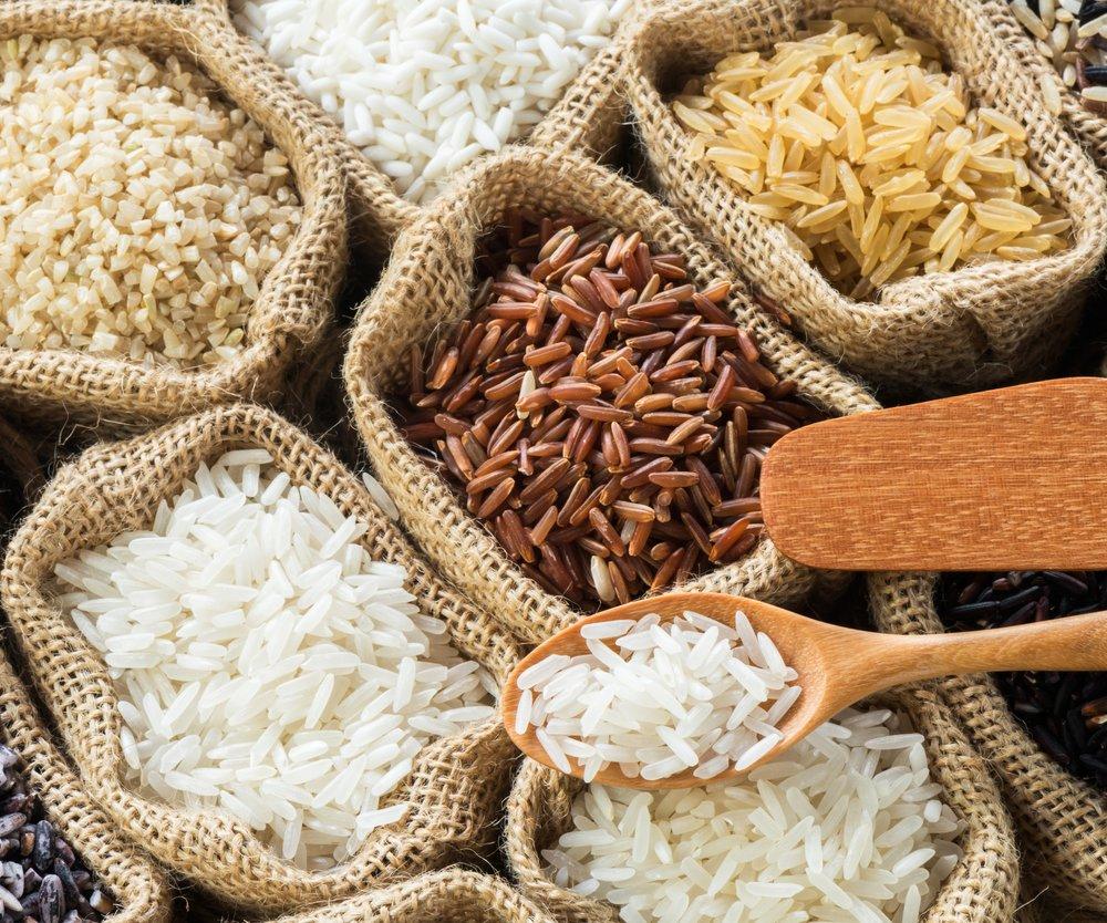 Thai's rice collection in burlap bag