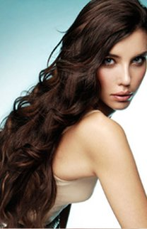 Langes sanft gelocktes Haar