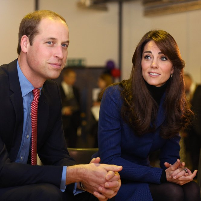 DUNDEE, SCOTLAND - OCTOBER 23:  Prince William, Duke of Cambridge and Catherine, Duchess of Cambridge are seen during their visit to Dundee Rep theatre as part of an away day to the Scottish City on October 23, 2015 in Dundee, Scotland.  (Photo by David Cheskin - WPA Pool/Getty Images)