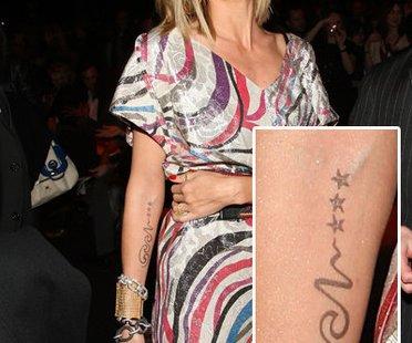 Heidi Klum mit ihrem Tattoo für ihren Ehemann Seal - Tattoos der Stars