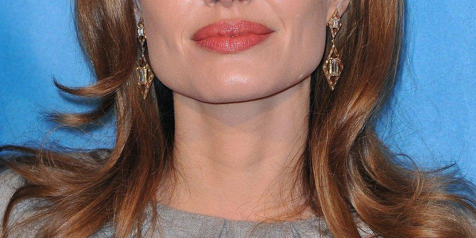 Angelina Jolie: Leidet sie an Hepatits C?