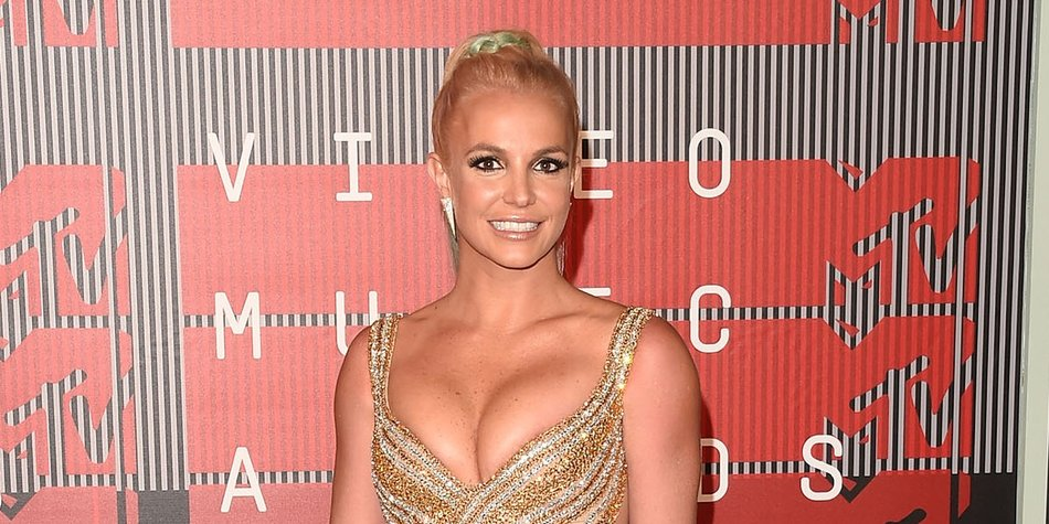 LOS ANGELES, CA - AUGUST 30: Singer Britney Spears attends the 2015 MTV Video Music Awards at Microsoft Theater on August 30, 2015 in Los Angeles, California. (Photo by Jason Merritt/Getty Images)
