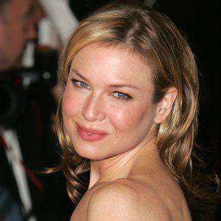 NEW YORK - DECEMBER 04: Actress Renee Zellweger arrives to the Museum Of The Moving Image Salute To Ron Howard at the Waldorf-Astoria December 4, 2005 in New York City. (Photo by Peter Kramer/Getty Images)