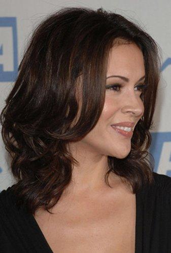Durchgestuftes Haar bei Alyssa Milano