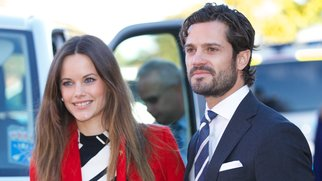 BORLANGE, SWEDEN - OCTOBER 05: Princess Sofia of Sweden and Prince Carl Philip of Sweden visit a consultant unit for refugees during the first day of their trip to Dalarna on October 5, 2015 in Borlange, Sweden. (Photo by Ragnar Singsaas/Getty Images)