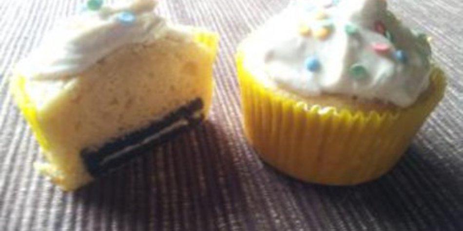 Vanille Cupcakes mit Oreoboden