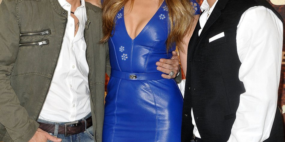 Jennifer Lopez tritt mit ihrem Ex-Mann auf
