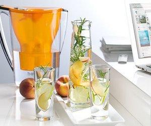 Pfirsich-Holunderblüten-Wasser