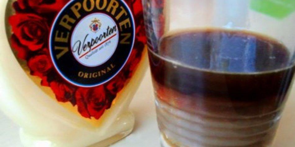Schicker Schichtkaffee mit VERPOORTEN ORIGINAL Eierlikör