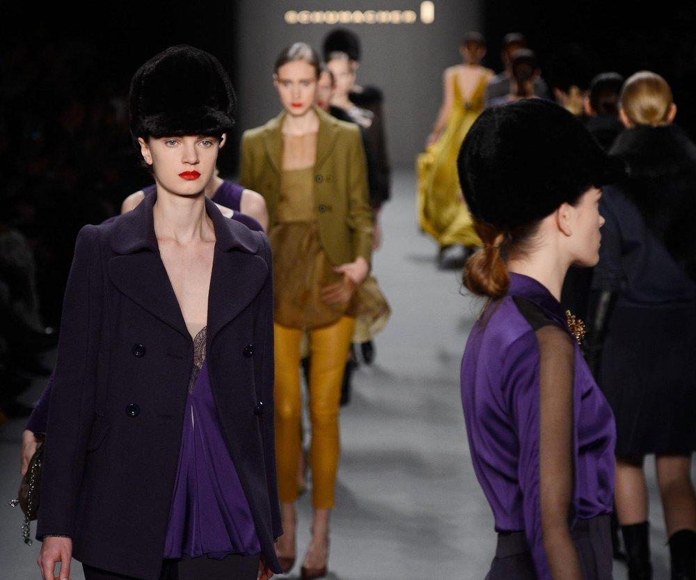 Fashion Week Berlin 2013: Schumacher mit starken Rosen