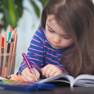 Kinderschreibtisch: Den Arbeitsplatz gestalten