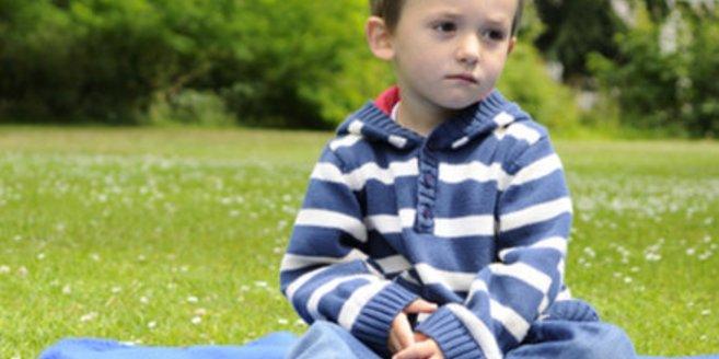Kind mit chronischen Schmerzen