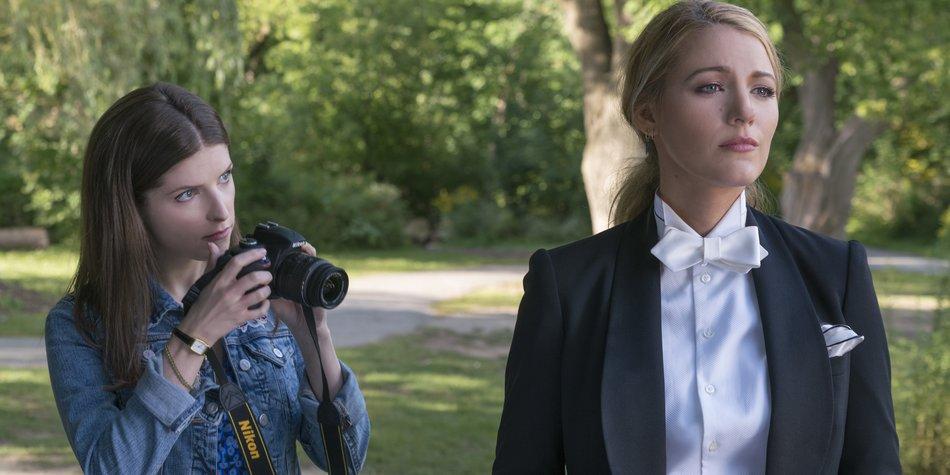 Stephanie (Anna Kendrick, l.) und ihre Freundin Emily (Blake Lively, r.).