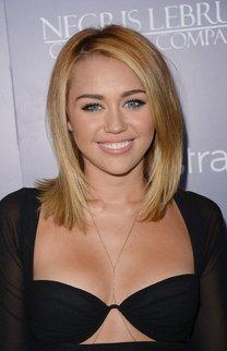 Miley Cyrus: Blonder Long Bob