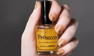 Der Groupon Nagellack schmeckt nach Prosecco