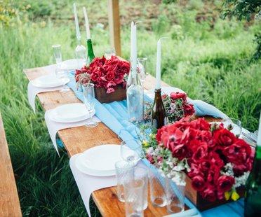 Rustikale Tischdeko für Hochzeit
