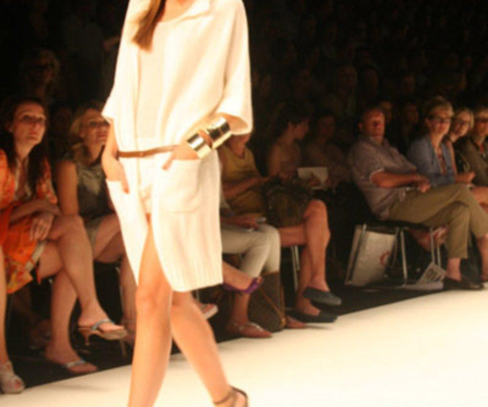 Allude: weißer Mantel