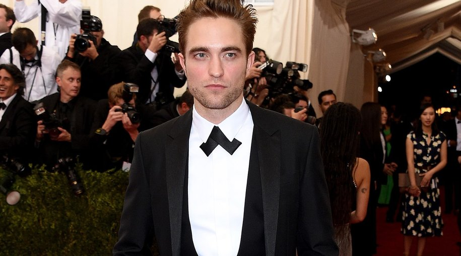 """NEW YORK, NY - MAY 04: Robert Pattinson attends the """"China: Through The Looking Glass"""" Costume Institute Benefit Gala at the Metropolitan Museum of Art on May 4, 2015 in New York City. (Photo by Larry Busacca/Getty Images)"""