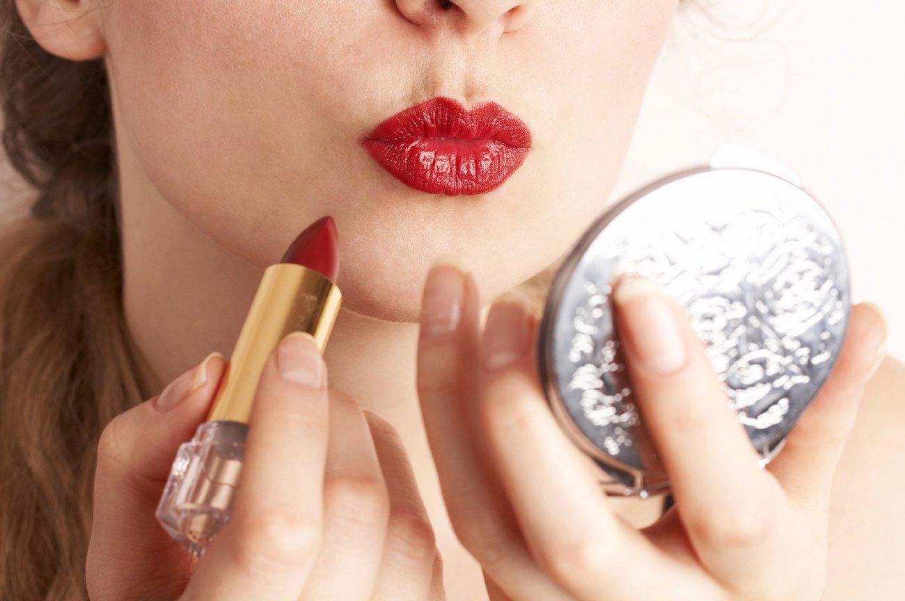 Schmale Lippen schminken